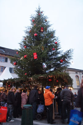 Christbaum-Markt in Winterthur